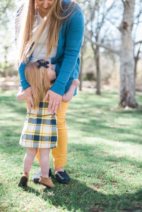 Mother and daughter embrace on a Spring day for family pictures in Albuquerque by New Mexico's best family photographer Alison Hatch Photography.